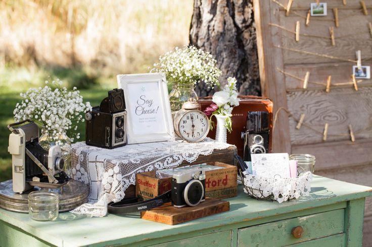 Dekor na svadbe - fotozona i zona pogelaniy (118)