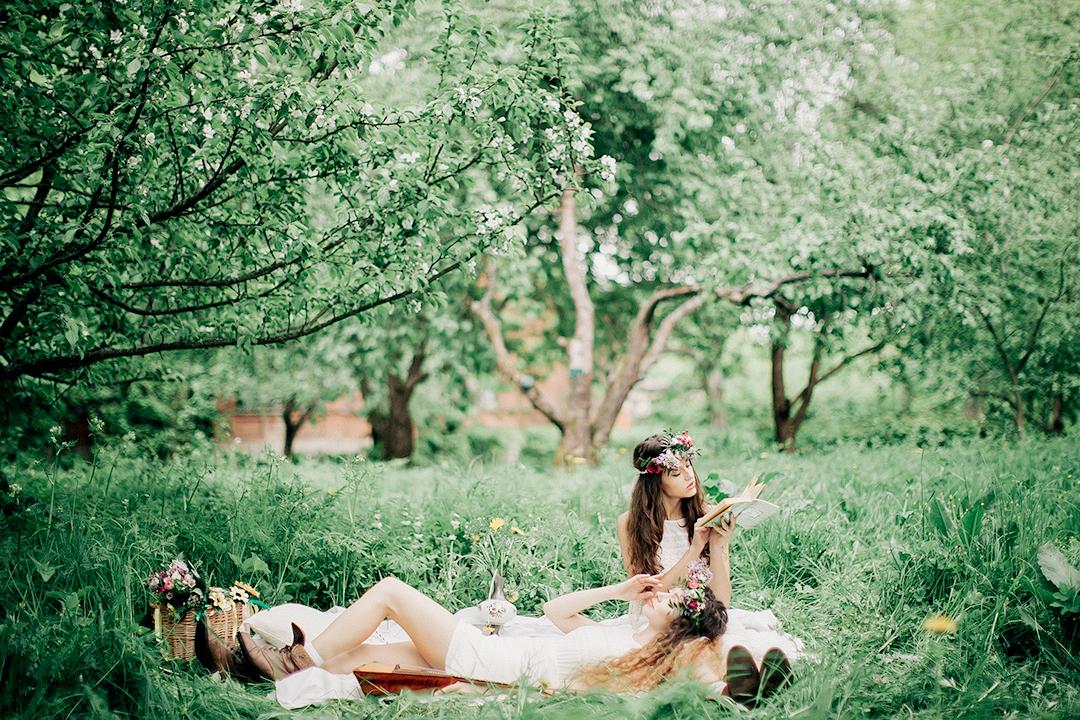 Аромат яблони: девичник на природе