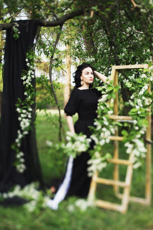 Элегантность черного: стилизованная съемка