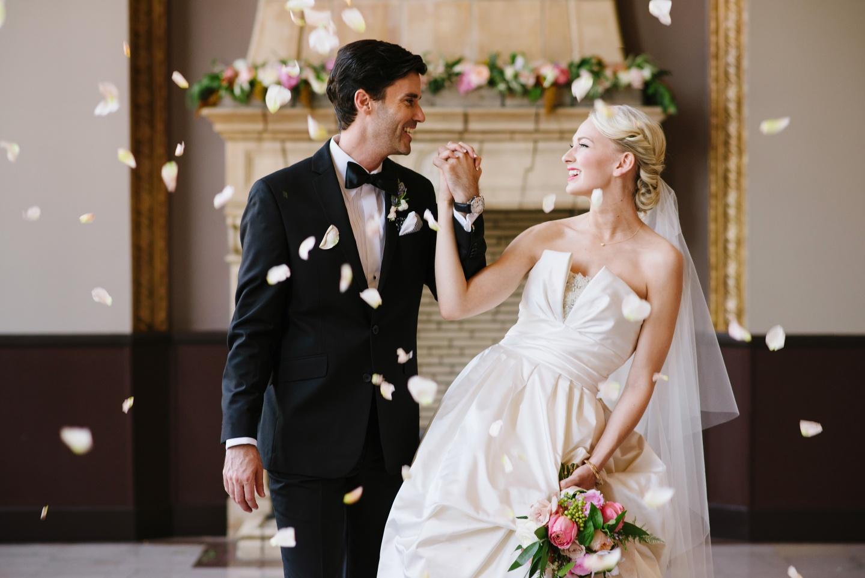 war-bride-weddings-pa-girls-flashing