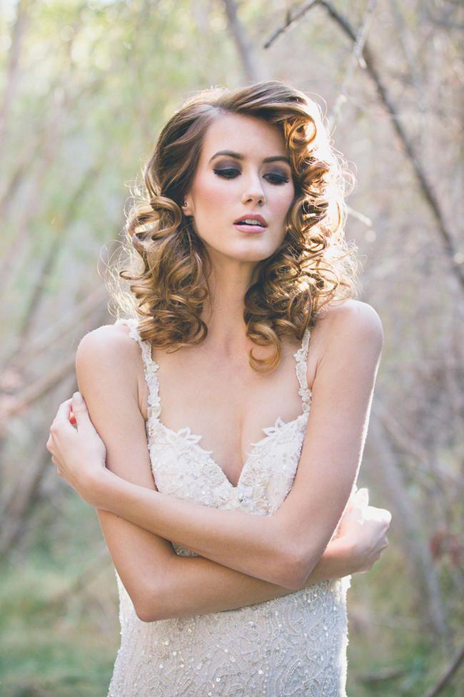 Прическа и макияж для невест 17