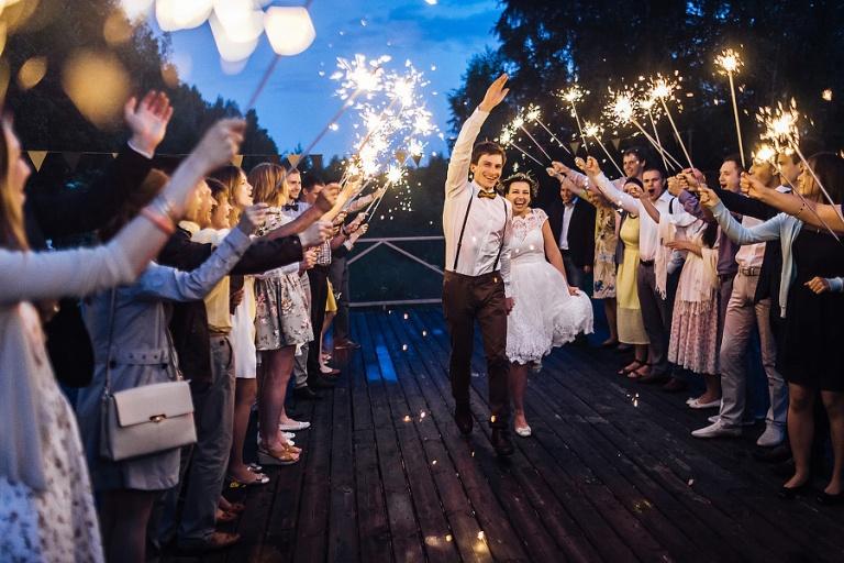 Кого пригласить на свадьбу - Влюблённые друзья