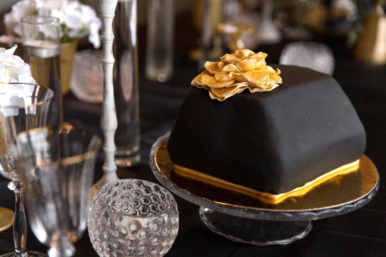 Черное золото: стилизованная фотосессия
