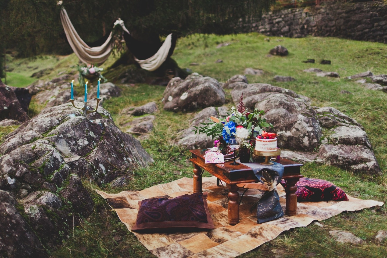 Среди альпийских скал: стилизованная фотосессия Вероники и Даниэле