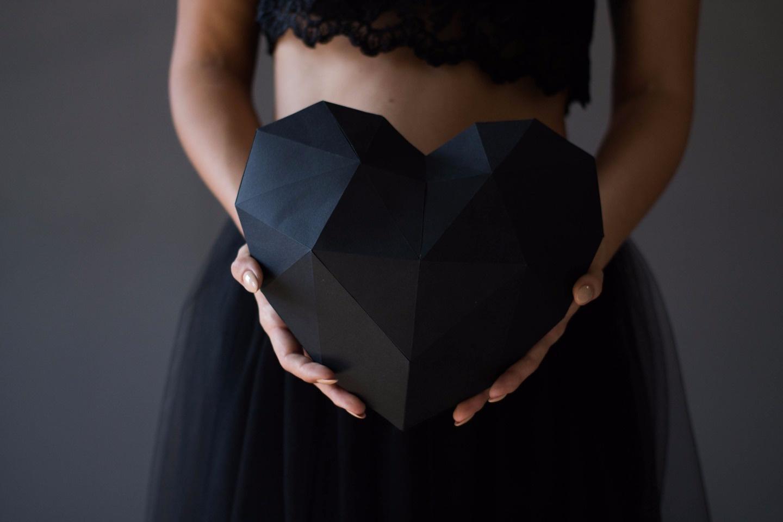 Черная геометрия: стилизованная фотосессия