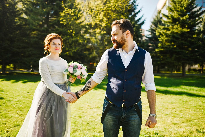 В теплых объятиях весны: стилизованная фотосессия Степана и Светланы