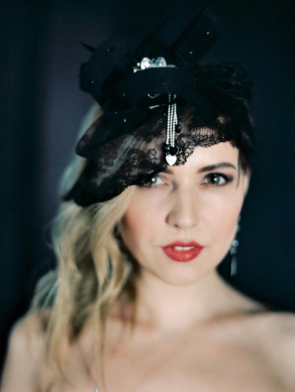 Вдохновение черным: стилизованная фотосессия