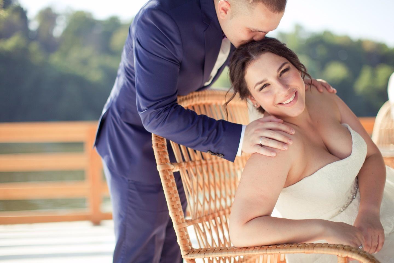 В сиреневом цвете: свадьба Владислава и Василисы