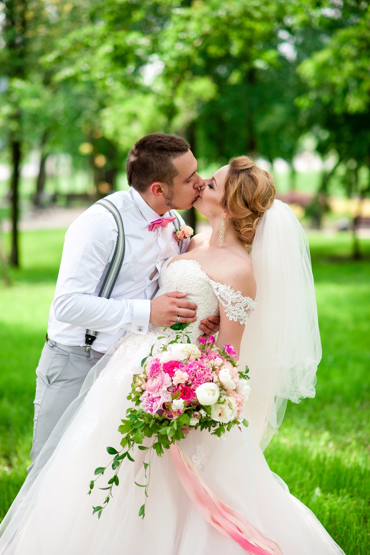 В розовом цвете: свадьба Дмитрия и Екатерины