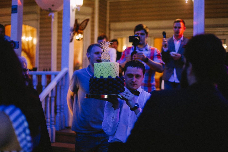 Ананасовая свадьба: праздник Дмитрия и Екатерины