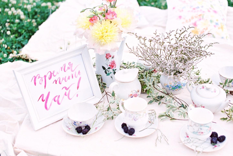 Пикник в саду: стилизованная фотосессия девичника