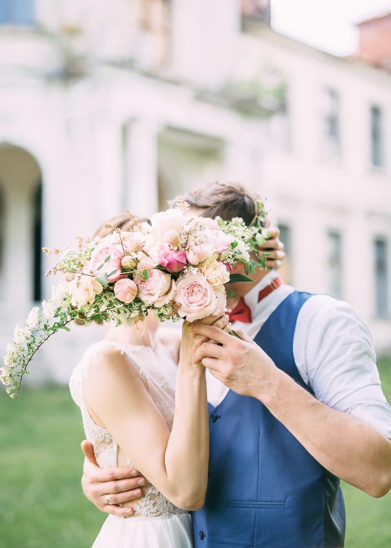 Бабочки счастья: стилизованная фотосессия Ивана и Анастасии