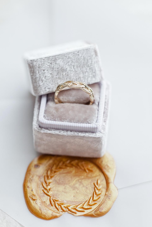Роскошь золота: стилизованная фотосессия